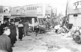 1962年 池袋西口マーケットの取壊し